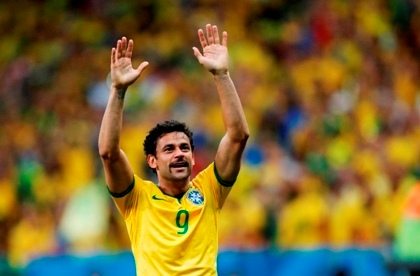 Lord Fred thanks his multiple fans, after gracefully allowing Kaka to take the top spot.